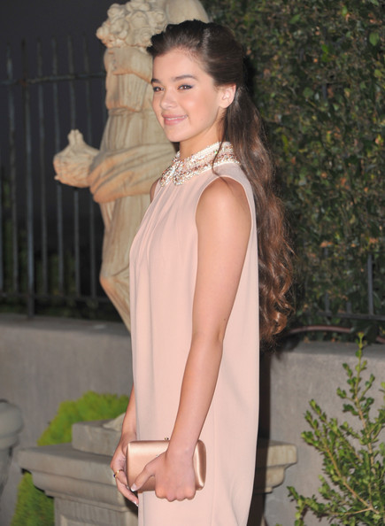 Hailee Steinfeld Satin Clutch [miu miu,muta,lucrecia martel,hailee steinfeld,clothing,shoulder,hairstyle,fashion,dress,long hair,fashion model,neck,haute couture,brown hair,beverly hills,california,arrivals]