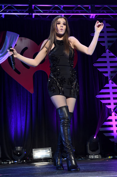 Hailee Steinfeld Beaded Dress [performance,entertainment,stage,performing arts,event,music artist,thigh,public event,fashion,talent show,hailee steinfeld,san jose,california,sap center,wild 94.9,fm,capital one,jingle ball 2016 - show]