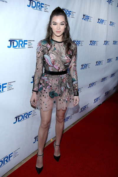 Hailee Steinfeld Embroidered Dress [clothing,red carpet,fashion,carpet,hairstyle,leg,fashion model,electric blue,footwear,flooring,hailee steinfeld,actress,jdrf imagine gala,type 1 diabetes research,beverly hills,california,the beverly hilton,jdrf la,imagine gala]