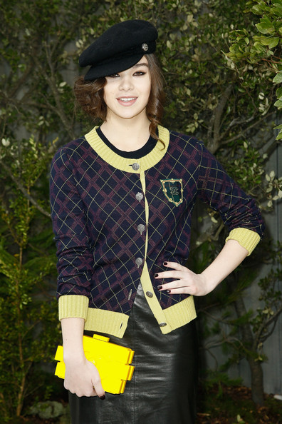 Hailee Steinfeld Dark Nail Polish [show,clothing,yellow,fashion,outerwear,street fashion,photography,costume,sleeve,smile,style,hailee steinfeld,couture spring,part,grand palais,paris,france,chanel,chanel spring,photocall - paris fashion week]