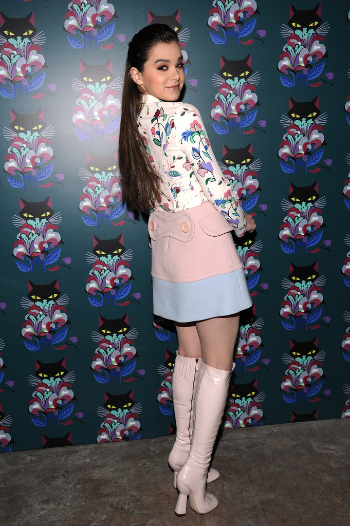 Hailee Steinfeld's Charming Red Carpet Style