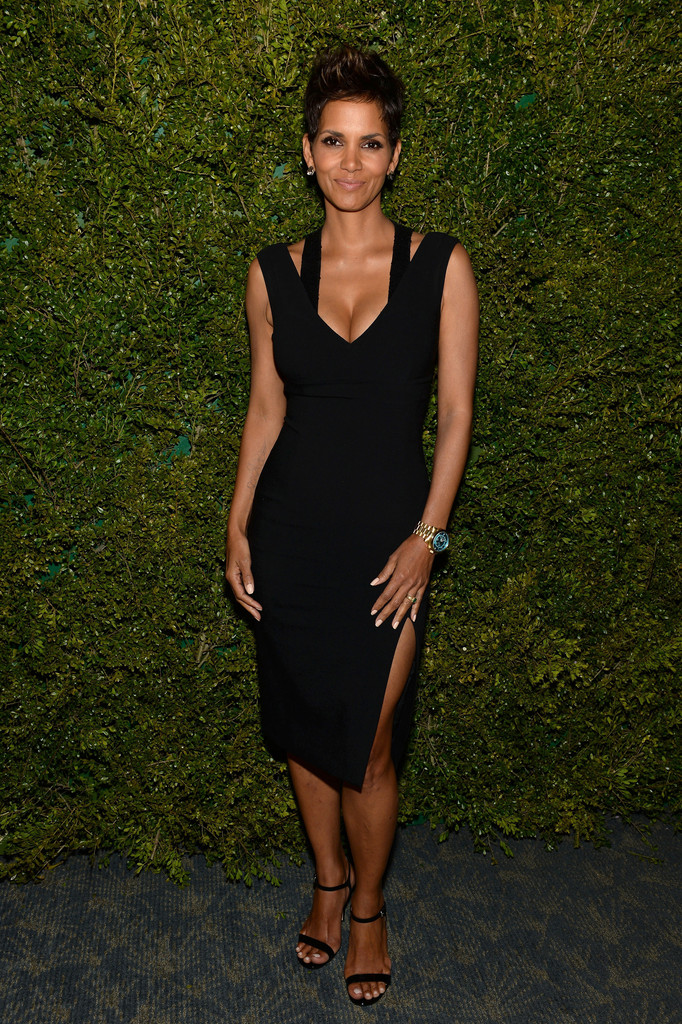 Halle Berry attends a dinner in honor of  Halle Berry as she joins Michael Kors and the United Nations World Food Programme to help fight world hunger. The event was held at The Pool Room at the Four Seasons on April 6, 2013 in New York City.