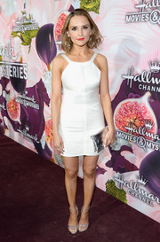 Rachael Leigh Cook sealed off her ensemble with a silver clutch.