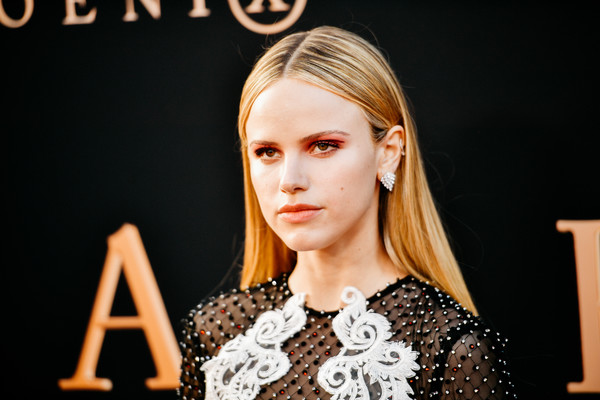 Halston Sage Long Straight Cut