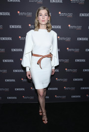 Rosamund Pike was minimalist-chic in a Louis Vuitton LWD styled with a tan belt at the 2018 Hamilton Behind the Camera Awards.