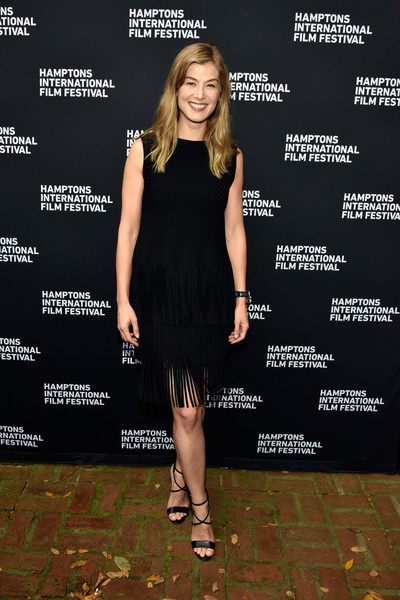 Rosamund Pike looked effortlessly chic in a fringed LBD by Alaia at the 2018 Hamptons International Film Festival.