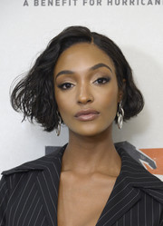 Jourdan Dunn looked adorable with her wavy bob at the Hand in Hand: A Benefit for Hurricane Relief.