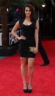 Jessica Lowndes rocked a bandage-style little black dress that showed off her curves on the red carpet!