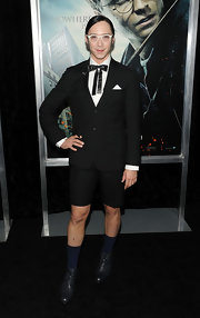 Johnny dons a short suit in this quirky ensemble at the 'Harry Potter' premiere.