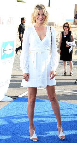 More Pics of Ali Larter Bob (1 of 9) - Bob Lookbook - StyleBistro