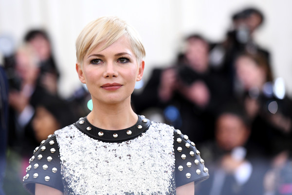 More Pics of Michelle Williams Pixie (1 of 8) - Michelle Williams Lookbook - StyleBistro [hair,face,fashion,hairstyle,street fashion,blond,beauty,lip,design,eye,heavenly bodies: fashion the catholic imagination costume institute gala - arrivals,new york city,metropolitan museum of art,michelle williams]