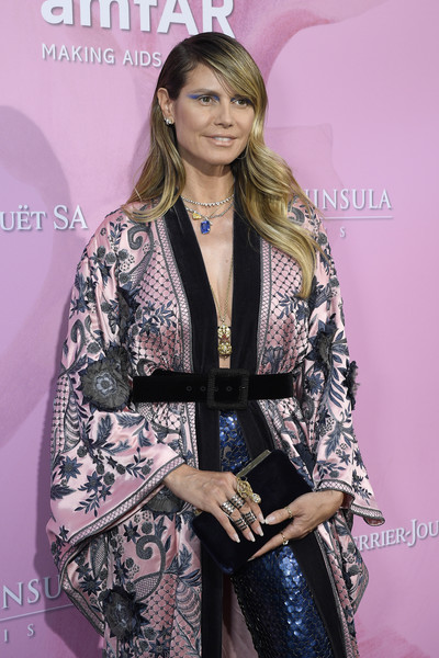 Heidi Klum Velvet Clutch [clothing,fashion,fashion design,outerwear,dress,carpet,premiere,flooring,costume,fashion accessory,amfar gala,paris,peninsula hotel,france,heidi klum]