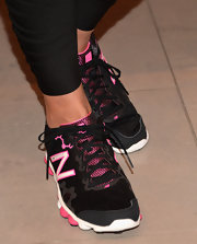 Heidi Klum was ready to run in these black and pink sneakers, which she sported for the 'Heidi Klum' for New Balance launch.