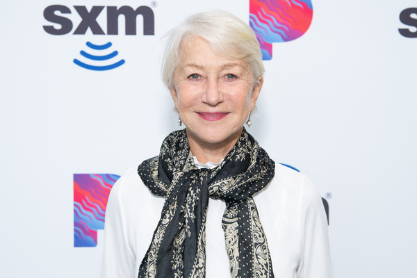 Helen Mirren kept it casual with this short side-parted hairstyle while visiting the SiriusXM Hollywood Studios.