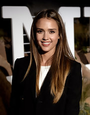 Jessica Alba wore her hair in a casual straight center-parted style during the Hermes Beverly Hills boutique after-party.