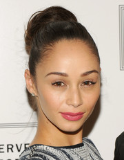 Cara Santana stuck to classic styling with this elegant bun when she attended the Herve Leger fashion show.