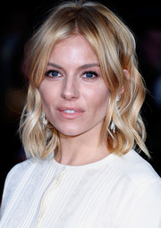 Sienna Miller's short waves looked oh-so-cute at the BFI London Film Fest screening of 'High-Rise.'
