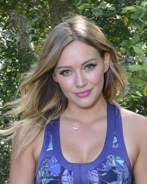 Hilary Duff Bright Lipstick