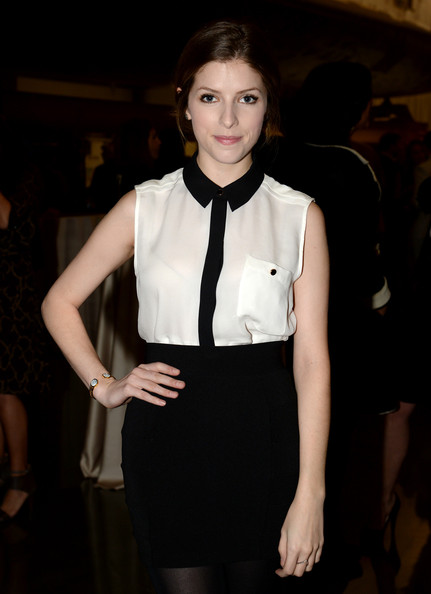 More Pics of Anna Kendrick Mini Skirt (1 of 3) - Mini Skirt Lookbook - StyleBistro