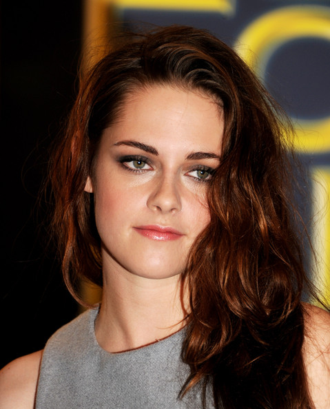 More Pics of Kristen Stewart Long Wavy Cut (3 of 26) - Long Wavy Cut Lookbook - StyleBistro