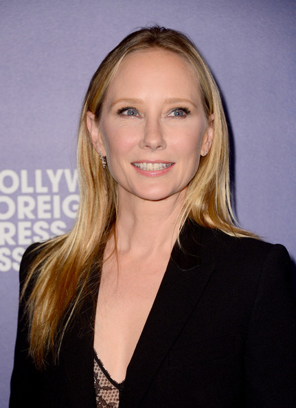 Anne Heche was simply styled with this straight, center-parted 'do at the Hollywood Foreign Press Association's Grants Banquet.