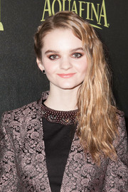 Kerris Dorsey attended the Golden Globe Award season celebration wearing her hair in an edgy side sweep.