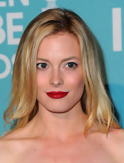 Gillian Jacobs opted for a bold red lip and natural makeup. A wise choice when rockin' such an intense shade.