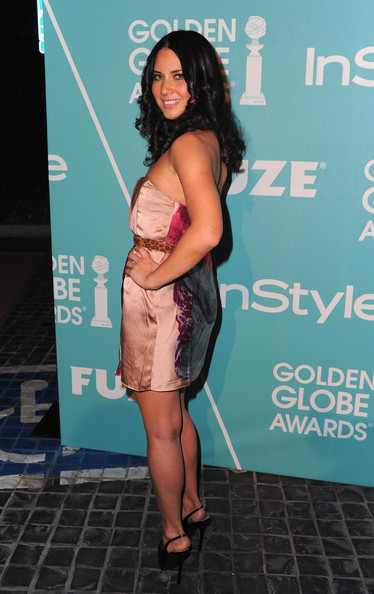 More Pics of Olivia Munn Long Curls (1 of 3) - Olivia Munn Lookbook - StyleBistro