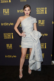 Hailee Steinfeld dazzled in a silver jacquard one-shoulder top by Reem Acra at the HFPA and InStyle Golden Globe Award season celebration.