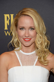 Anna Camp looked fabulous with her piecey curls at the HFPA and InStyle Golden Globe Award season celebration.