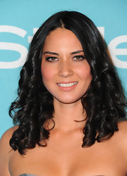 Olivia Munn debuted bouncy spiral curls on the red carpet. It was great way to amp up her otherwise natural look.