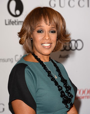Gayle King went to the Women in Entertainment Breakfast sporting a cute short 'do with feathered waves and wispy bangs.