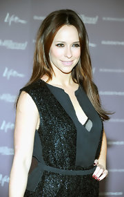 Jennifer Love Hewitt added a touch of crimson sparkle to her nails at the Women in Entertainment breakfast.