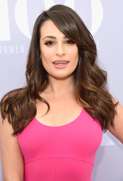 More Pics of Lea Michele Long Wavy Cut with Bangs (8 of 11) - Long Wavy Cut with Bangs Lookbook - StyleBistro [red carpet,hair,face,hairstyle,clothing,brown hair,shoulder,beauty,chin,blond,pink,lea michele,women in entertainment breakfast,california,los angeles,hollywood reporter hosts,the hollywood reporter,milk studios,24th annual women in entertainment breakfast]