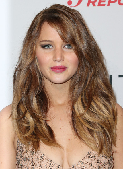 More Pics of Jennifer Lawrence Long Wavy Cut (9 of 15) - Long Wavy Cut Lookbook - StyleBistro