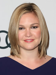 Julia Stiles wore her layered shoulder-length locks sleek and straight to The Hollywood Reporter Nominees' Night 2013.
