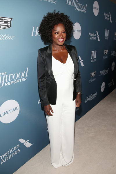 Viola Davis topped off her look with a black blazer.