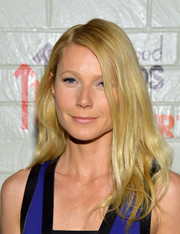 Gwyneth Paltrow styled her hair with a side part and subtly wavy ends for the Hollywood Stands Up to Cancer event.