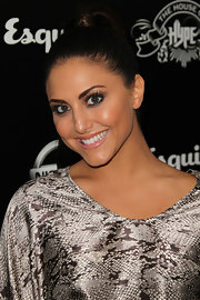 Cassie Scerbo arrived at the House of Hype's 2011 MTV Video Music Awards after party with bright eyes and neutral lips. Just a hint of pink-beige gloss adds a touch of color and shine.