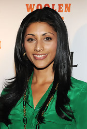 Reshma Shetty wore her hair in a center-parted layered style for the 'Howl' screening.