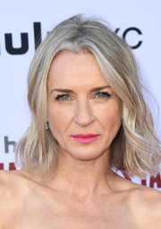 Ever Carradine framed her face with shoulder-length waves for the 'Handmaid's Tale' season 3 finale celebration.