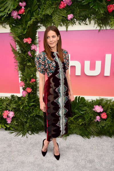 More Pics of Michelle Monaghan Layered Cut (3 of 16) - Michelle Monaghan Lookbook - StyleBistro [clothing,pink,fashion,outerwear,dress,footwear,long hair,fur,fashion design,formal wear,arrivals,michelle monaghan,hulu,la sirena ristorante,new york city,hulu upfront brunch,brunch]