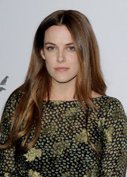 Riley Keough was casually coiffed with this center-parted, subtly wavy 'do at the Humane Society of the United States' To The Rescue Gala.