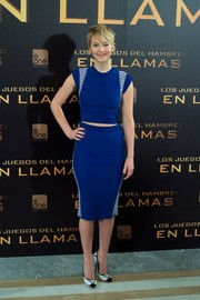 Jennifer Lawrence's blue Alexander McQueen pencil skirt hugged her curves perfectly!