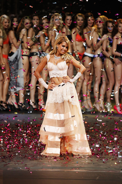 More Pics of Sylvie van der Vaart Strappy Sandals (1 of 39) - Sylvie van der Vaart Lookbook - StyleBistro