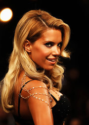 Sylvie van der Vaart rocked sexy teased hair in pin-up style curls.