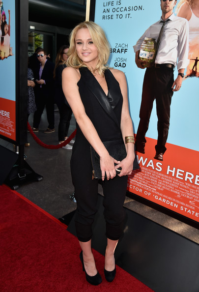 Hunter King Clothes