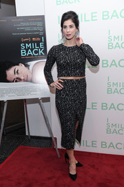 A matching front-slit pencil skirt completed Sarah Silverman's red carpet look.