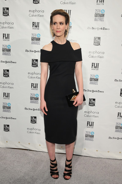 Sarah Paulson complemented her dress with sexy black bandage sandals.