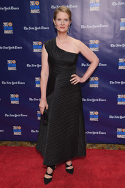 Cynthia Nixon looked simply elegant in a textured black one-shoulder dress by Zero + Maria Cornejo at the 2017 Gotham Independent Film Awards.